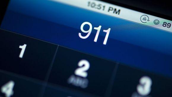 Facebook Çökünce 911'i Aradılar!