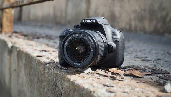 1000 TL Altı Canon EOS 1200D!