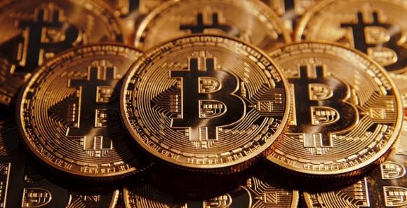 Bitcoin ilk kez altından daha değerli!