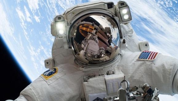 Uzayda Çekilmiş En İyi 5 Selfie