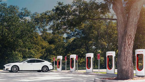 Tesla, 2016'da Türkiye'de