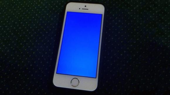 iPhone Mavi Ekran Hatası Verdi!