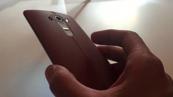 LG G4 için Devasa Batarya!
