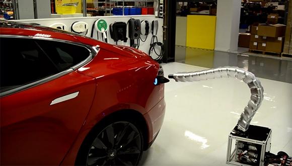 Tesla, Otomatik Şarj Ünitesini Tanıttı!
