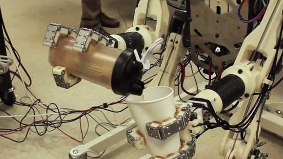 İnsan Reflekslerine Sahip Robot!