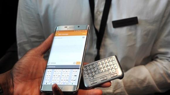 Samsung, Fiziksel Klavyeli Kılıfını Duyurdu