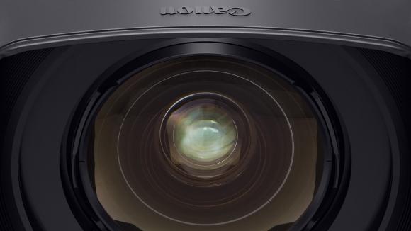 Canon'dan, Dünyanın En Geniş Açılı Lensi!