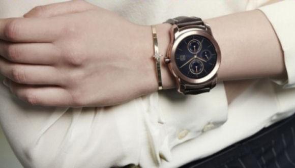 1200 Dolara Altın Kaplamalı Akıllı Saat!