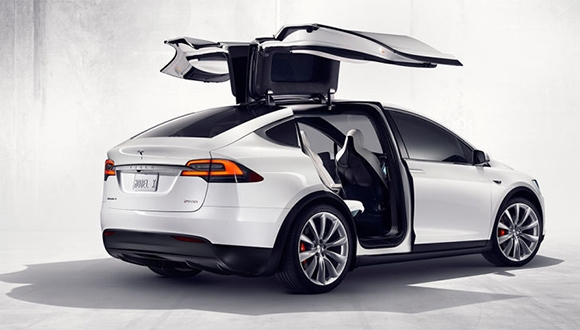 Tesla Model X'in Fiyatı Açıklandı!