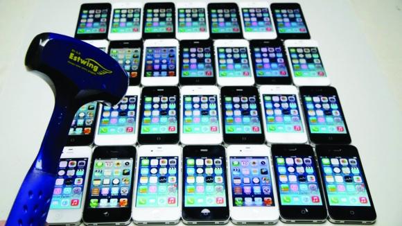 Eski iPhone'ların Çekiç ile Mücadelesi!