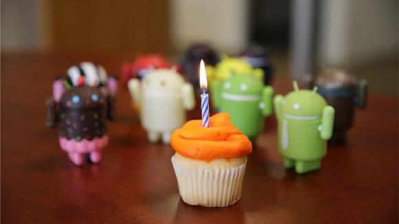 Android Doğum Gününü Kutluyor!