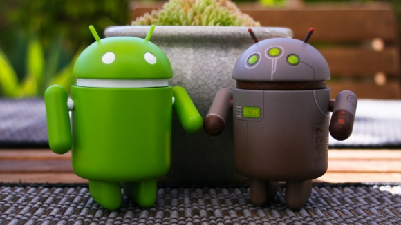 Google, Android Tekeli mi Kuruyor?