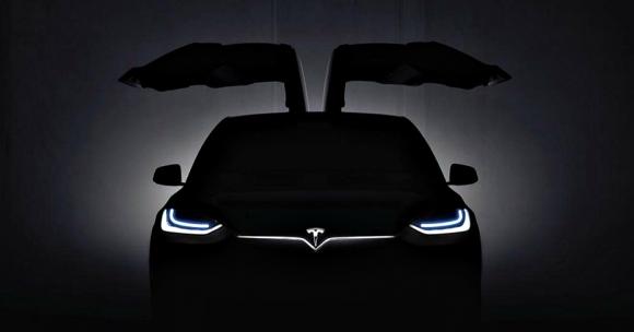 Tesla Model X SUV Tanıtıldı