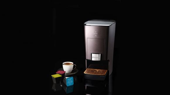 Arçelik'ten Kapsüllü Türk Kahvesi Makinesi
