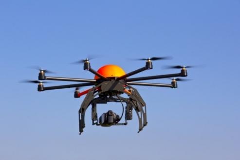 Drone'u teğet geçen uçakta iki yaralı var