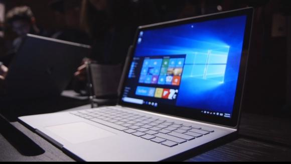 Surface Book Ekranında Sorun!
