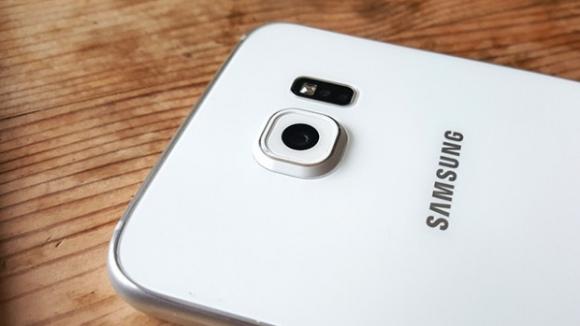 Galaxy S7 İki Farklı Kamera İle Geliyor!