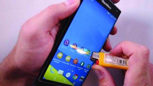 BlackBerry Priv Yanma Testinde!