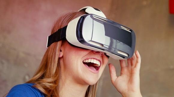 Yeni Samsung Gear VR Ön Siparişe Sunuldu!