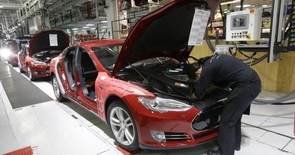 Tesla 90 Bin Aracı Geri Çağırıyor!