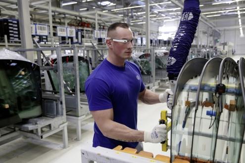 Volkswagen Akıllı Gözlük Kullanıyor!