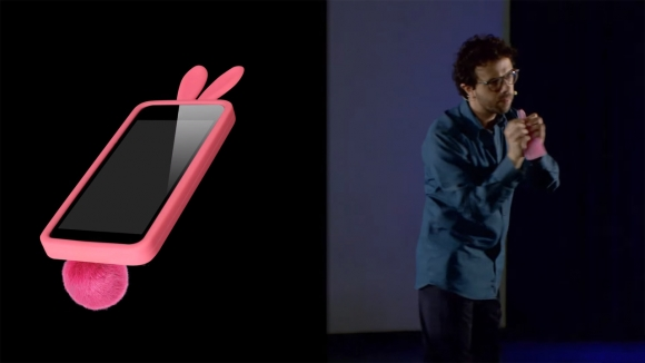Asus'tan Apple'a Tarihi Gönderme!