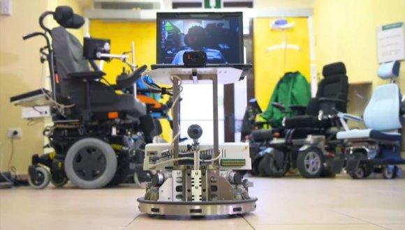 Emirleri İnsan Beyninden Alan Robot!