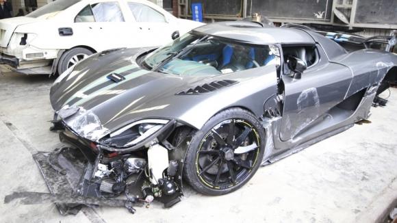 4 Milyon Dolarlık Araba Paramparça!
