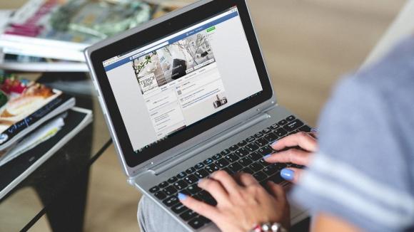 Facebook, Uygulamalarını Kaldırdı!