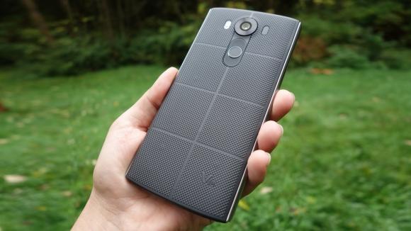 LG, Bataryalı iPhone Kılıfını Eleştirdi