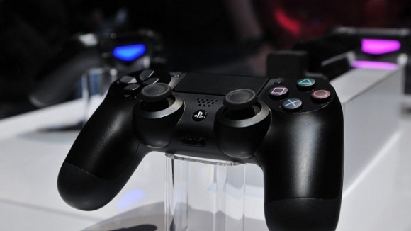 PlayStation 4 Alana DualShock 4 Bedava!