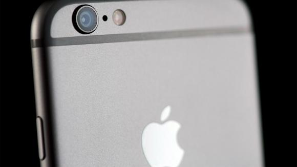 iPhone, Flickr'da Canon ve Nikon'u Solladı!