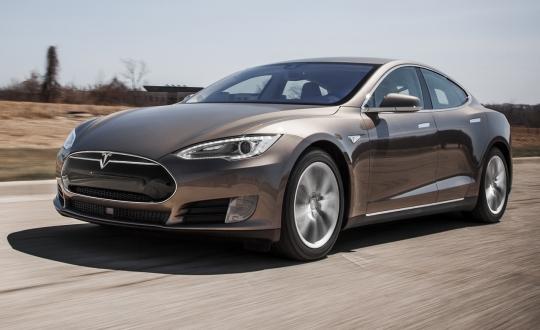 Tesla'dan Otopilot Kararı Geldi