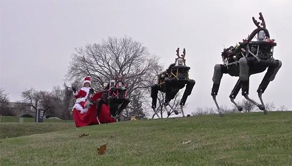 Bu Defa Noel Baba'yı Robotlar Taşıdı!