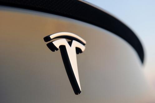 Sürücüsüz Tesla Devri Başladı!
