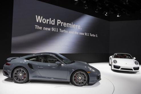 Porsche, Fuarda Etkisini Hissettiriyor