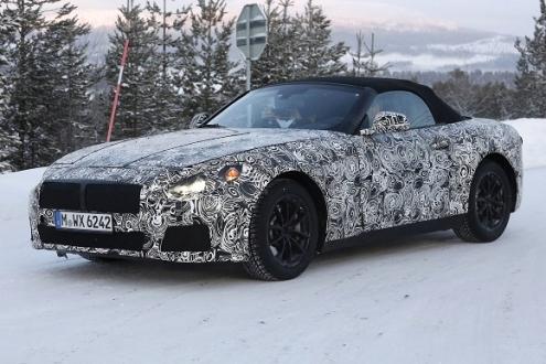 BMW Z5 Geliyor!