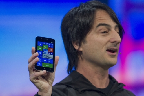 Windows Phone'un En Üst İsmi iPhone Kullanıyor!
