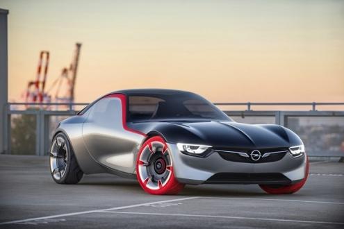 Opel Arkadan İtişe Dönüyor!