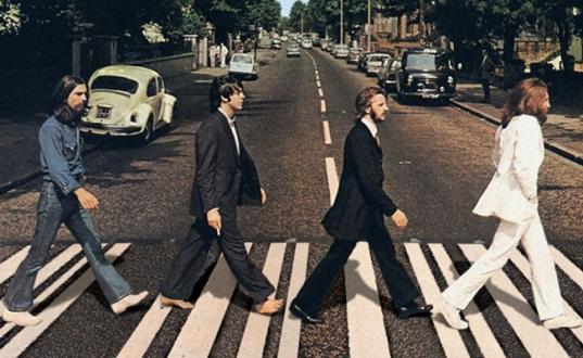 The Beatles Hala Zirvede