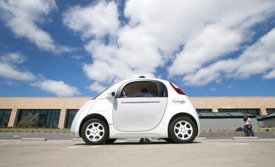 Google, Arabalarını Kablosuz Şarj Edebilir