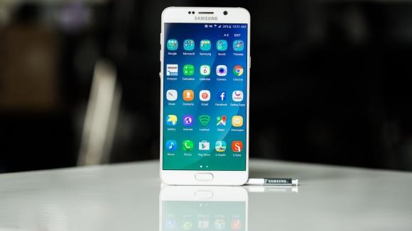 Galaxy Note 6, Plus Serisinin Yerini Alabilir