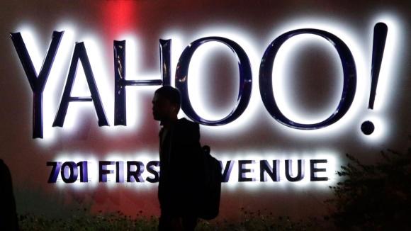 Yahoo Batıyor Mu?