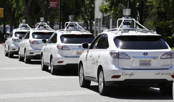 Sürücüsüz Google Aracı Kaza Yaptı