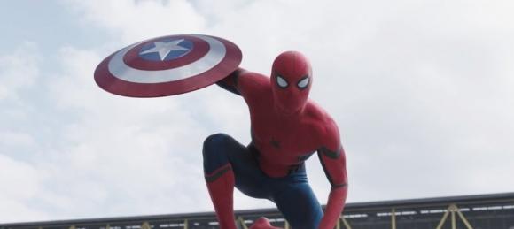 Civil War'dan Spider-Man'li Fragman!