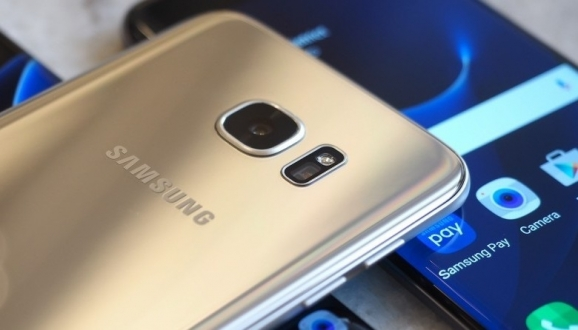 Galaxy S7 edge'in Kamera Sensörleri Farklı