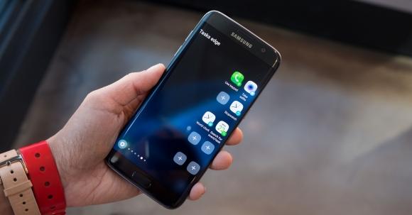Galaxy S7 edge'in Kavisli Ekranı Sorunlu!