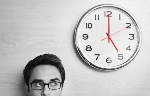 Akıllı Telefonların Saatlerine Dikkat Edin!