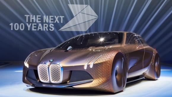 BMW Geleceğin Otomobilini Tanıttı!