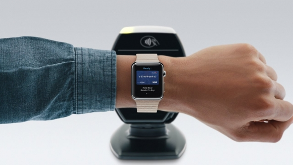 Nakit Yerine Akıllı Saat Taşıyoruz